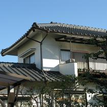 松山市:外壁へのシリコン塗装